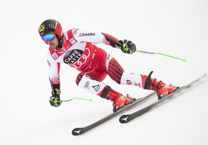 15073139-v1-ski-h-akt-stm30285.jpg